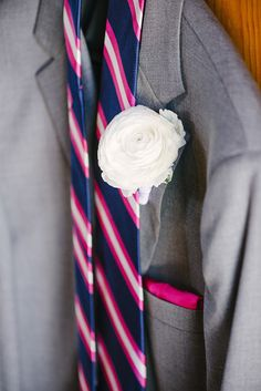 #Grooms Attire - Pink & Navy Striped Tie | Photography: We Heart Photography