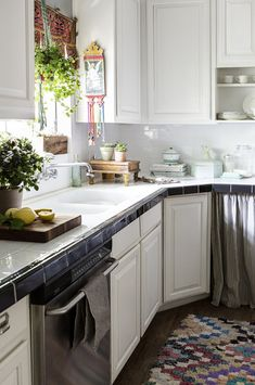 white kitchen with globalist influences