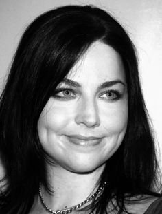 amy lee ♥ shirley manson on Pinterest | Shirley Manson, Amy Lee and ...