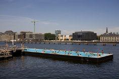 Berlin, Badeschiff in der Spree