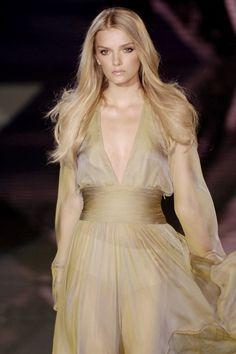Versace s/s 2006 Milan Model Lily Donaldson