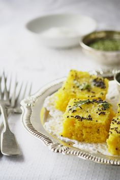 Traditional Rawa Khaman Dhokla – Steamed Savoury Indian Lentil Cake