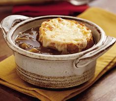 Slow cooker french onion soup.For a more intense beef flavor,add one beef bouillon cube,or use home cooked beef broth instead of canned broth.
