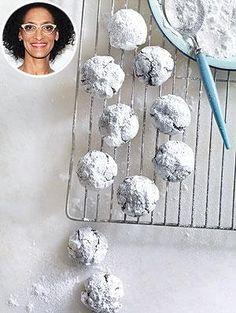 Carla Hall's Crinkle Cookies Recipe from PEOPLE!    http://www.people.com/people/article/0,,20712820,00.html cooki monster, bake, incredible cookies, carla hall recipes, crinkl cooki, hall crinkl, bar, browni, dessert