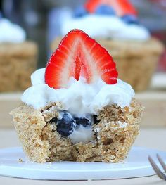 Yogurt & Berry stuffed July 4th cupcake | vegan recipe!