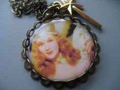 Wizard of Oz - Glinda the Good Witch Necklace