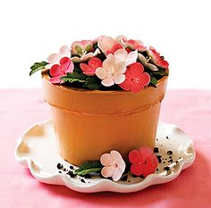 flower pot cake! perfect for mother's day Birthday, Flower Pot Cakes, Flowerpot Cake, Cake Recip, Flower Pots, Pea Cake, Small Cakes, Mothers Day Cakes And Cupcakes, Sweet Peas