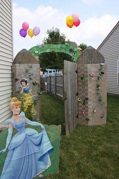 Transform the party entrance way into a castle wall! #diy #kidsparty #princessparty
