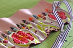 How to sew a crayon roll - must do this soon!