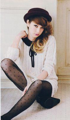 Peter Pan Collar Sweater ||from $9.50 @amazon http://www.amazon.com/French-Polka-Dot-Tights-Pantyhose/dp/B009E8F6O4/?ref=sr_1_3=UTF8%3D1361515126%3D8-3%3Dpolka+dot+tights