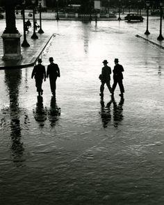 André Kertész - Place de la Concorde, Paris, 1928.