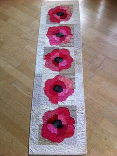 I love poppies, tablerunner poppi tablerunn, quilt flower, appliqu, tablerunnermug rug