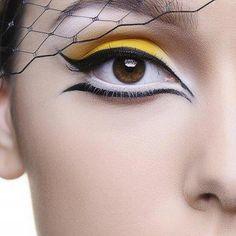 Yellow and white eyemake-up