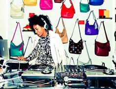 Solange DJs at FNO.