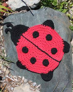 Lily Sugar'n Cream Free Pattern - Ladybug Dishcloth (crochet)