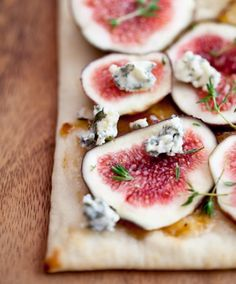 A simple meal -Figs with Cheese and Thyme