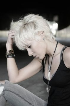 Short Messy and Edgy Layered Hairdo