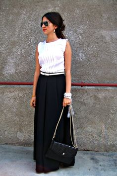 Love this whole thing. So something I would wear. You can never go wrong with basic black and white.