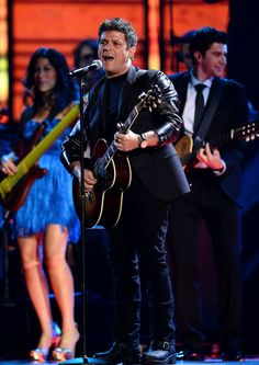Recording artist Alejandro Sanz performs onstage during the 14th Annual Latin GRAMMY Awards held at the Mandalay Bay Events Center on Novemb...