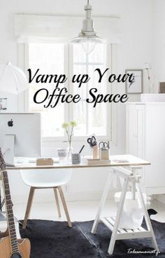 Vamp up your office space with a combination of both vintage and sleek minimalist goodies. // Image via Talosanomat