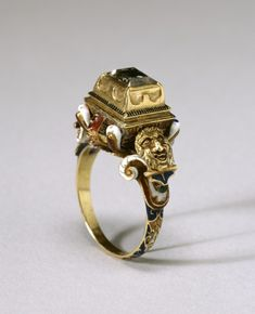16th century table cut diamond ring in gold and enamel