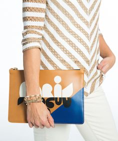 Chic Paris clutch ha