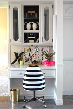 Home Office | Acordei Diva via pinterest office spaces, spray, office nook, painted chairs, vinyl, black white, office chairs, stripe, desk chairs