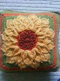 The Crocodile Flower pattern by Joyce Lewis ~ free pattern + color inspiration