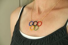very cool (and easy!) do it yourself olympic rings necklace