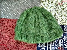 Mama G's Big Crafty Blog: Free Pattern: Chunky Knit Hat with Cables