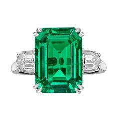 VAN CLEEF & ARPELS 8.20 Carat Colombian Emerald-Cut Emerald & Diamond Ring