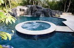 great pool and jacuzzi