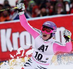 © Kraft Foods / Maria Höfl-Riesch - Mit gut einer Sekunde Vorsprung sicherte sich die Österreicherin Anja Fenninger den Riesenslalom-Sieg am Semmering (AUT) vor Tina Maze (SLO) und Tessa Worley (FRA). Maria Höfl-Riesch verpasste als Vierte zwar knapp das Podium, freute sich aber sehr über die für sie gute Platzierung im Riesentorlauf. Viktoria Rebensburg macht im ersten Lauf einen Fehler, stellte die Ski quer und verlor dadurch viel Zeit. Im Finale fuhr die Kreutherin auf Angriff, trotzdem ...