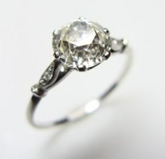 vintage engagement ring .. simple, unique, beautiful. Like like like