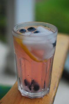 blueberry lemon water
