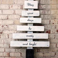 holiday, xmas trees, christmas tree themes, christmas crafts, wood scrap, christmas signs, pallet signs, diy christmas tree, christmas trees
