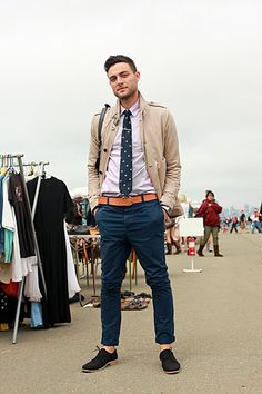 Tie. Nice color pants. No socks.