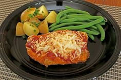 Simple Chicken Parmesan--An easy and no-fail meal for the beginning cook. Delicious! FREEZER MEAL INSTRUCTIONS INCLUDED.