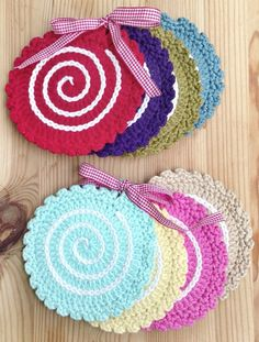 Crochet coaster, would make a cute lollipop applique coaster idea, crochet coasters, coaster pic