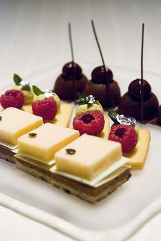 Appetizer Cheese Fruit & Chocolates   Serving Suggestion