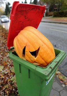 Halloween trash! @Optivion 哀れ、ハロウィーン主役の成れの果て