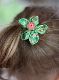 kanzashi flowers diy, hair flowers, diy crafts, fabric flowers, cloth flowers, flower hairbow, hair bows, diy hairbows for girls, little flowers