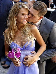 michael buble, wedding dressses, white wedding dresses, michael bublé, luisana lopilato, white weddings, blue weddings, pregnancy cravings, celebrity weddings