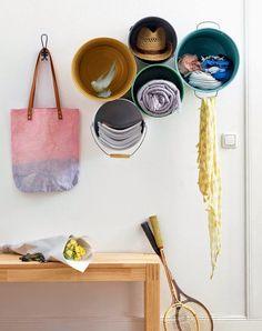 DIY: rack made of buckets
