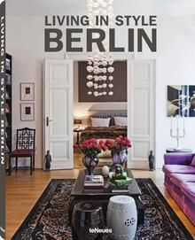 Living in Style Berlin. No other city has changed in the last twenty years as Berlin has. Entire neighborhoods have been reborn, and long-neglected buildings are once again gleaming brightly. But the renovation does not stop at the facades. Berlin has also become a creative laboratory for living, leading trends in interior styles. From the lakeside villa to the center-city townhouse, Living in Style Berlin shows the wide range of exclusive living options in this world metropolis. www.teneues.com