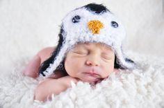 Custom Order Penguin Hat photo prop sz nb. $20.00, via Etsy. Newborn and Baby Photography props #Snipits #Snipitsink #DesiraeJonesPhotography