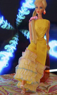 Mod Era Barbie - Twist n' Turn Hair Fair Barbie - Blonde...40...3