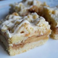 Why, hello there, fall dessert! Apple Streusel Bars via Lovin' From The Oven