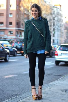fashion, heel, outfit, denim shirts, street styles, cozy sweaters, oversized sweaters, shoe, chunky knits