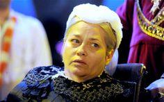 Beatie Edney, cast as Prudie Paynter.